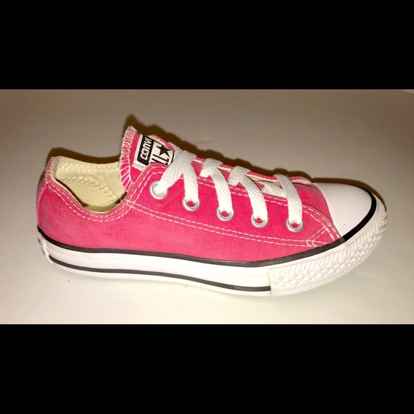 6b2cd7883c4a Converse Other - Girls hot pink Converse